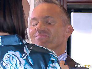 hotwife wifey Peta Jensen coochie thrashed by Bill Bailey