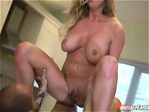 Meat pole gobbling Aletta Ocean and Lexi Lowe get filled in the minges
