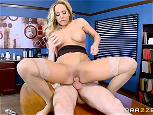 How to ravage in the office with Olivia Austin