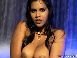 brown-haired stunner From kinky India