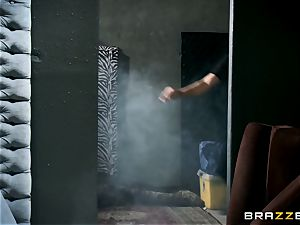 sizzling cop Summer Brielle slobber roasted by 2 criminals