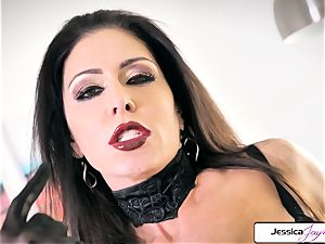 Jessica Jaymes demonstrate her fat bumpers and lil' raw vag