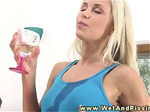 urinate fetish blondie beautie guzzles urinate