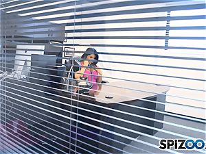 Romi Rain has a cute office surprise for her fellow