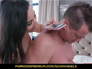 SCAM ANGELS - Melissa Moore and hot mates in four way