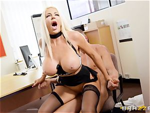 Nicolette Shea gets her concentration tested in this torrid interview
