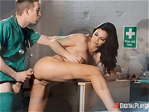 Jasmine Jae satiated with her new assets pleases a monster sausage doctor