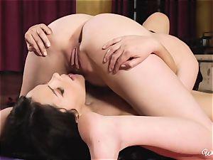 Top tribbing lithe brunettes Valentina Nappi and Cat Spark