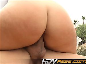 ash-blonde babe Phoenix Marie with phat knockers public nail