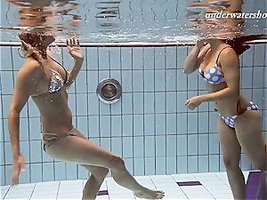Iva and Paulinka phat breasts teenis in the pool