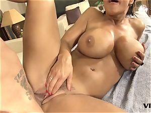 super-sexy mummy Lisa Ann has a taste for brazilian meat