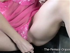 magnificent blond draining her moist labia in the Kitchen