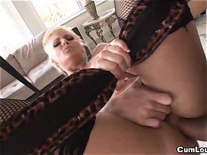 Phoenix Marie gives us an incredible anal this Xmas