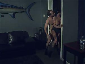 Horror fetish porno. The skimpy housewife Romi Rain was ambushed