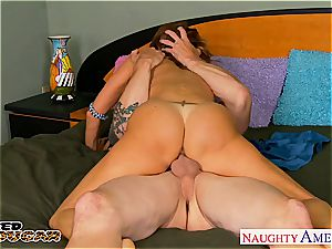 big-titted hotty Tara Holiday always down for a great pummel