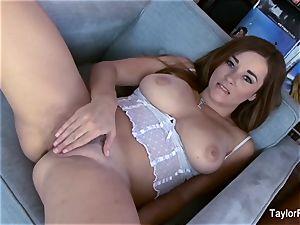 super-sexy Taylor Vixen masturbates in white lingerie