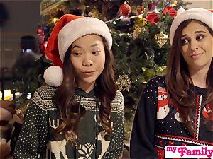 Stepbro's Christmas three-way And sister internal cumshot S5:E6