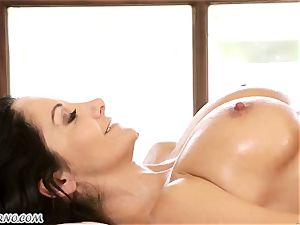 Ava Addams and Cherie Deville - big breast mummy lezzy