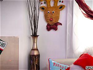 Spizoo - observe Jessica Jaymes plumbing Santa Claus