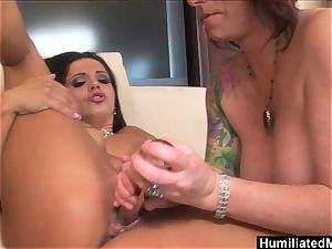 milfs Francesca and Kylie hunger for each others fuckbox